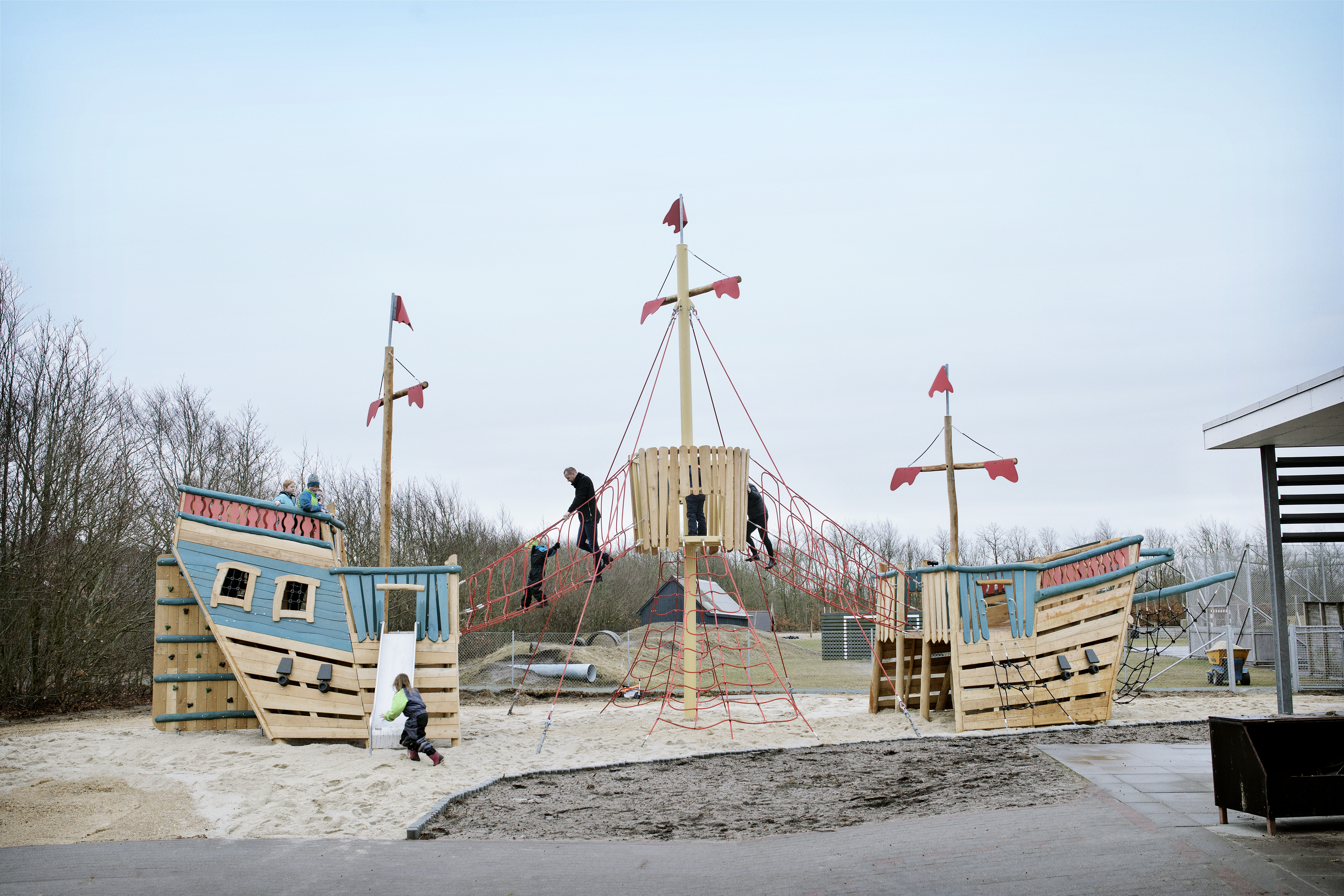 Robinia Ships