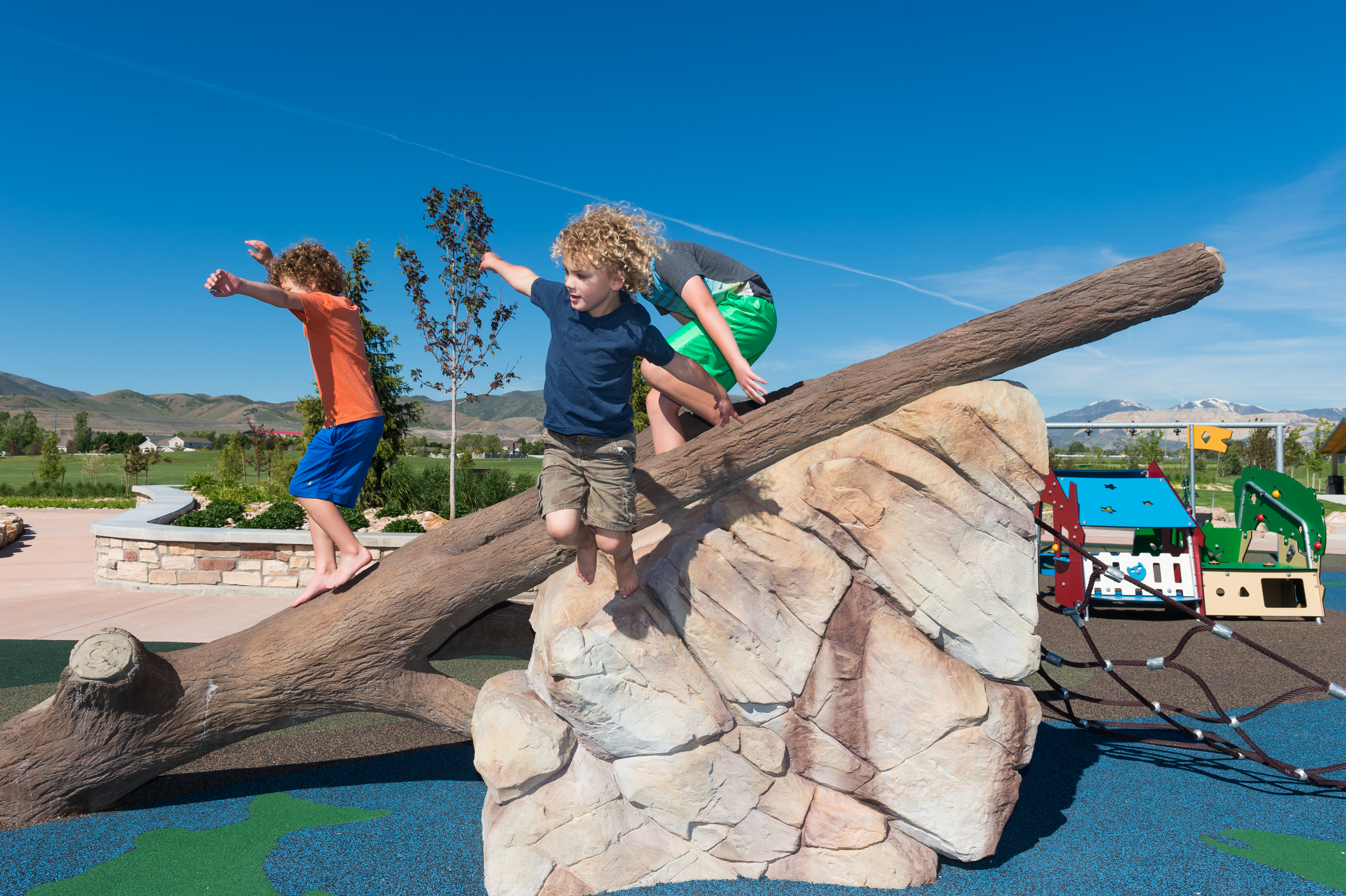 IDS Playground Rock Climbers