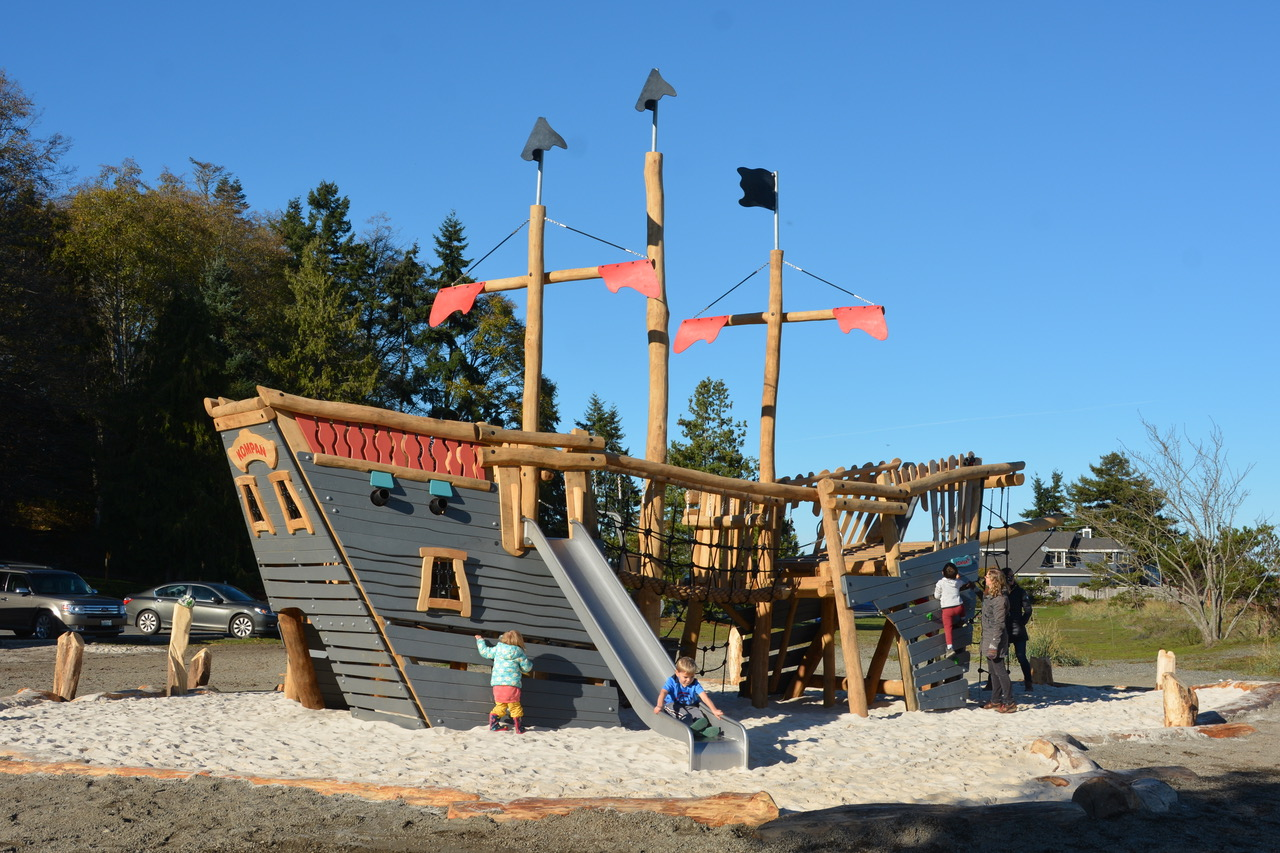 Highwire KOMPAN Pirate Ship